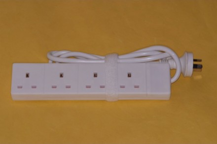 4-plug-uk-to-3-pin-australia-china
